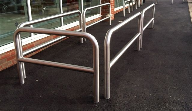 How To Find The Right Steel Barrier Contractor For Your Project
