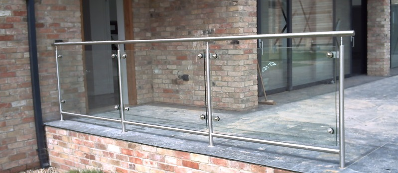 Legal Height Requirements for Railings in the UK