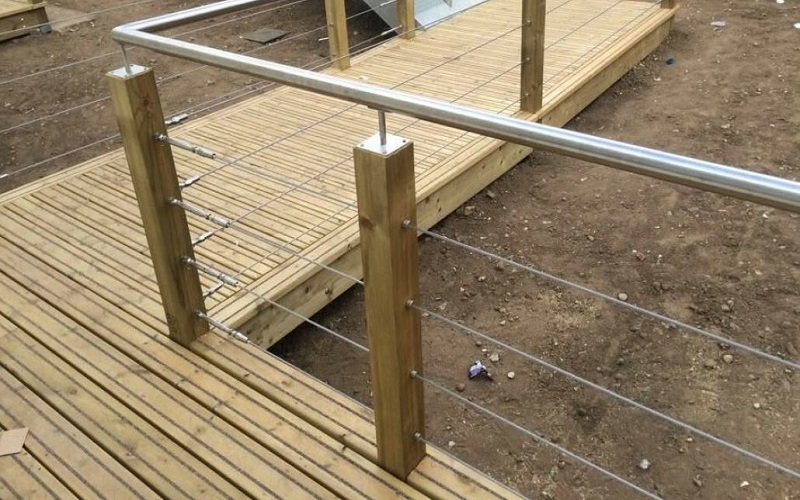 Pros And Cons Of Horizontal Cable Railings